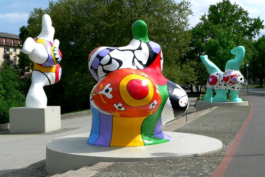 Niki de Saint Phalle. Modelka, która strzelała do obrazów