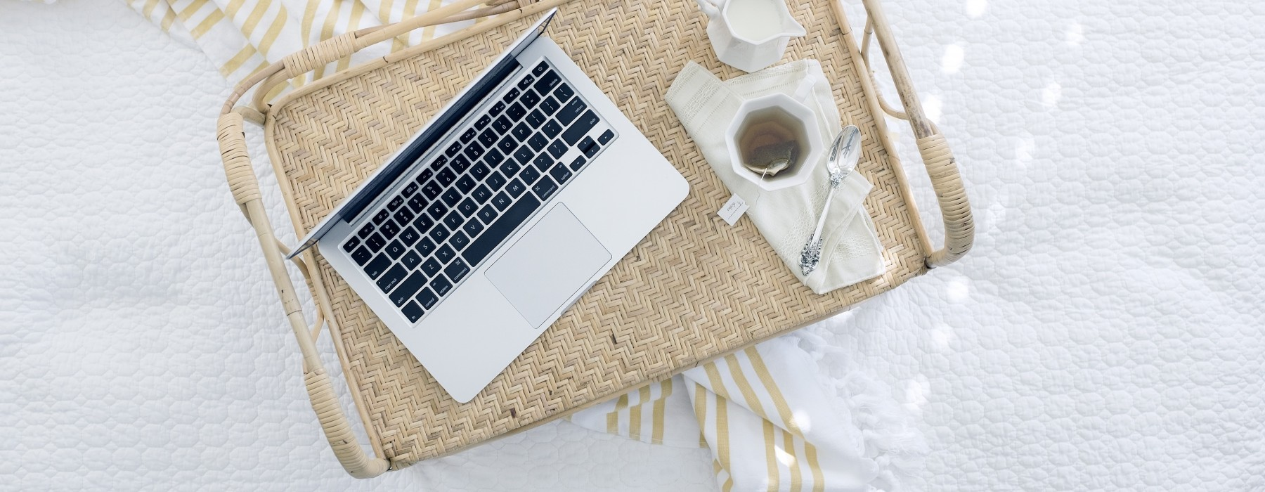 Podano do łóżka #51: Jak czytać, jak pisać i gdzie zbudować dom