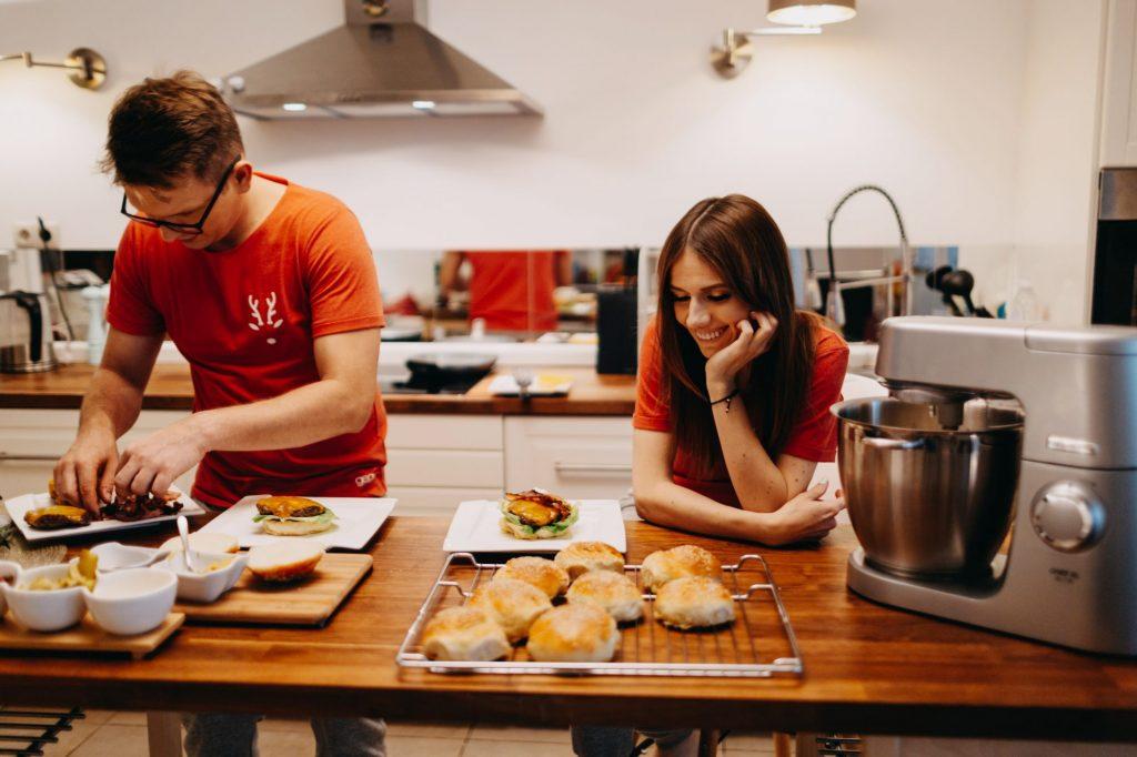 jak zrobić hamburgery w domu
