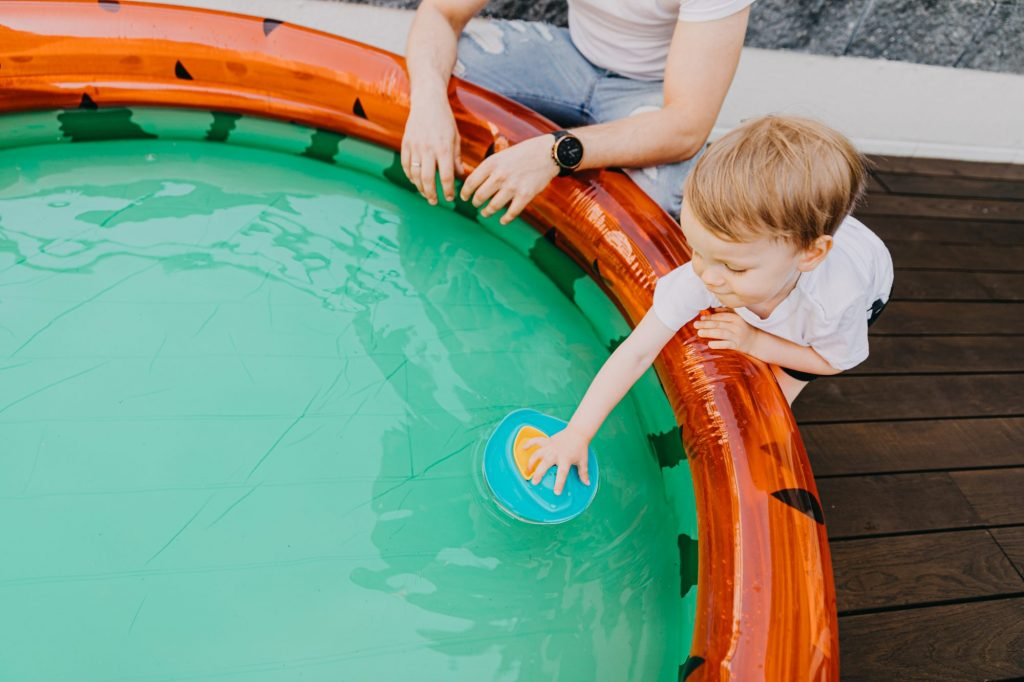 zabawki do basenu