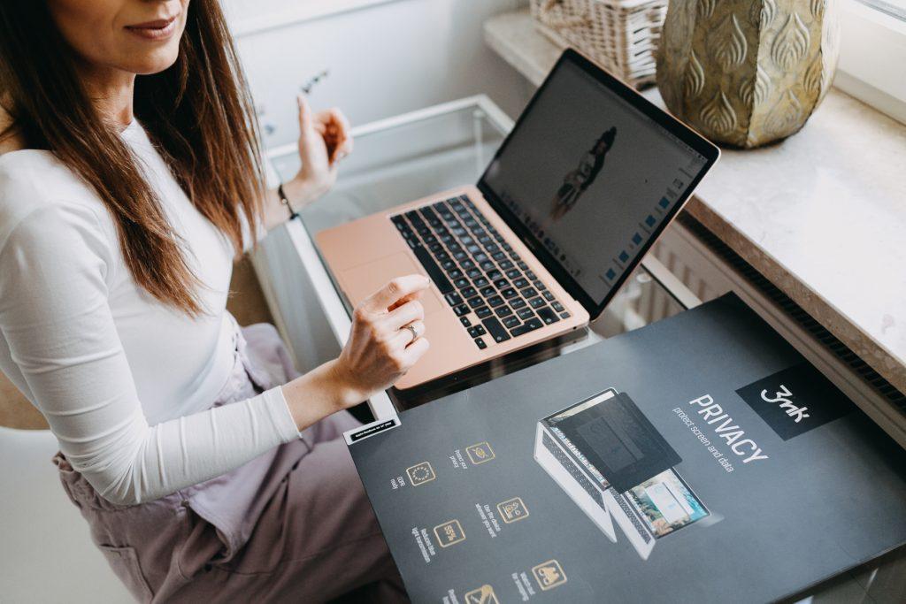 folia ochronna na laptopa