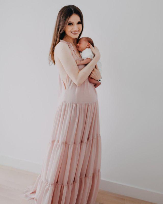 11 października przypada Międzynarodowy Dzień Dziewczynek ❤ Kto pamięta jeszcze taką małą Delicję? 😍 —— #newborn #newbornphotography #newbornbaby #newbornsession #newbornphoto #maternityphotography #maternity #macierzyństwo #noworodek #instamama #instamatki #instamateczki #jestemwciazy #jestemwciazy #ciąża #ciaza2021 #ciąża2021 #córeczka #coreczka #coreczkamamusi